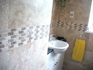 davey bathrooms 2009-05-17 014 small